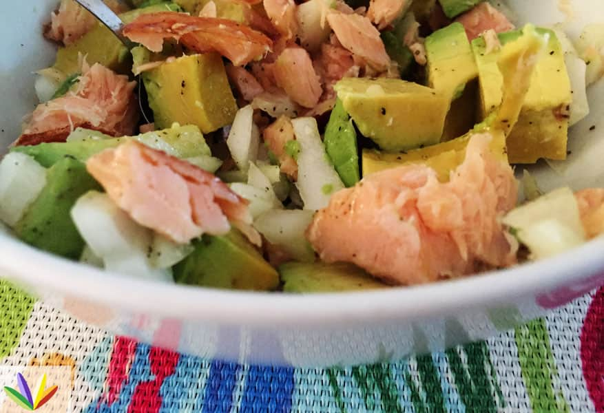 R#68E4H eat4happiness salmon avocado salad